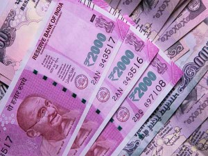Entities Withdrew Over Rs 100crore Each To Rs 5 56 Lakh Crore Incash From Banks