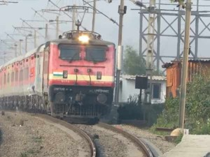 Indian Railways Add 4 Lakhs More Seats A Day A New Technology Introduces
