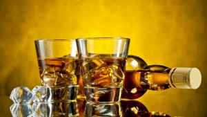 Karnataka Hc Not Permit To Liquor Online Sales And Home Delivery