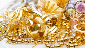 Gold Prices Fall Today After Rising 3 Days Please Check Here