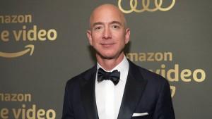 Indian Traders Protest Opposite Amazon S Jeff Bezos