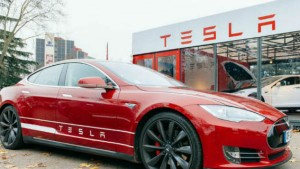 Tesla Crosses 100 Billion Stock Market Valuation In Extended Trading