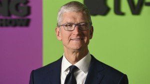 Apple Ceo Tim Cook S Salary Drops 26 Percent