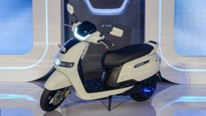 Tvs Motor Drives Into E Scooter Market With The Iqube Electric