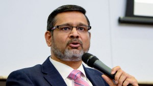 Wipro Ceo Abidali Neemuchwala Stepped Down Due To Family Commitments