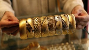 Gold Price In Chennai Rs 2700 Surged For A Poun