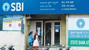 Fd Interest Rates Sbi Hdfc Bank Axis Who Is Giving More In
