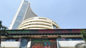 Sensex Down 800 Points In The First Day Of New Financial Year