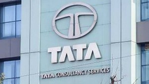Tcs Not To Lay Off Employees Freezes Salary Hikes
