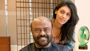 Hcl Chairman Shiv Nadar Steps Down To Cso Daughter Roshni Takes Over