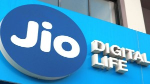 Reliance Jio Holds 52 26 Percent In Internet Subscribers Market