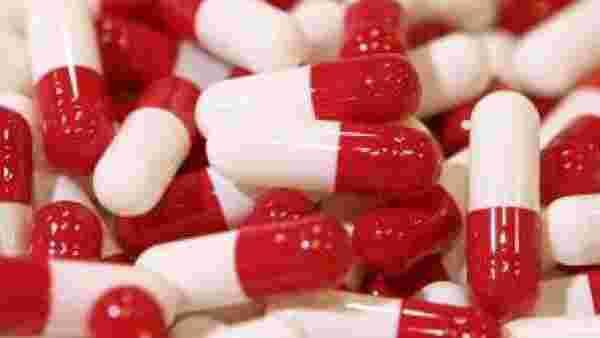 உயிரை காக்கும் இந்திய மருந்தியல் துறைக்கு ரூ.10,000 கோடி.. காரணம் இந்த  கொரோனா தான்..! | Indian pharma sectors to get Rs.10,000 crore boost - Tamil  Goodreturns